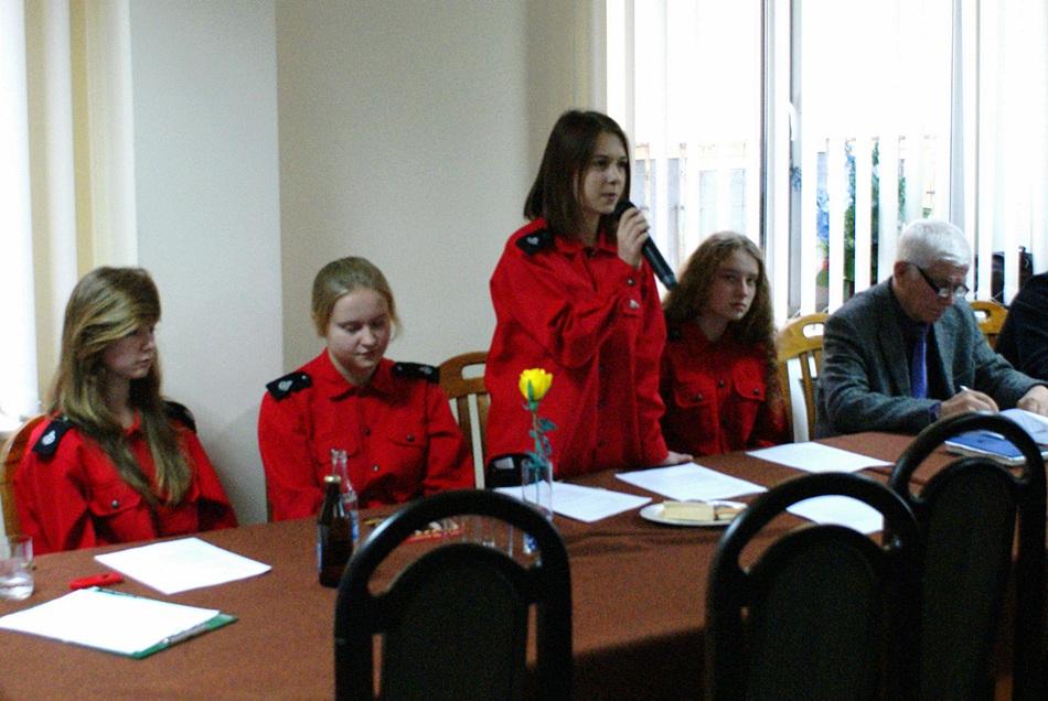 debata-o-bezpieczentwie-policja-powiat-Starachowice-gmina-Brody-06.JPG