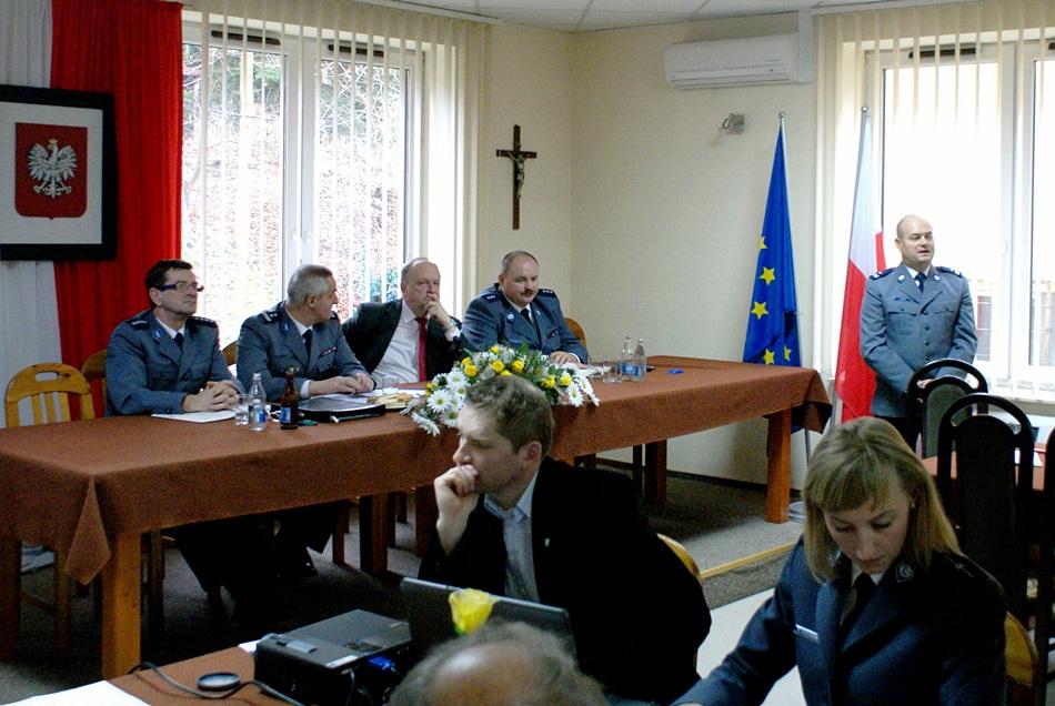 debata-o-bezpieczentwie-policja-powiat-Starachowice-gmina-Brody-10.JPG