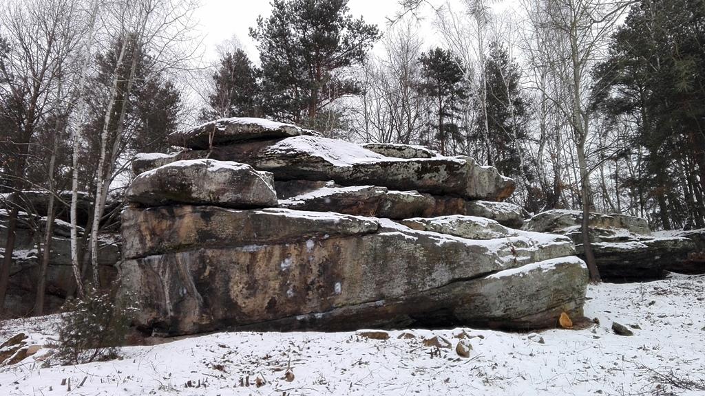 Skaly-w-Rudzie-odsloniete-pomnik-przyrody-zima-09.jpg