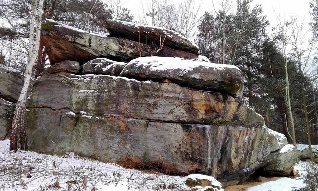 Skaly-w-Rudzie-odsloniete-pomnik-przyrody-zima-10.jpg