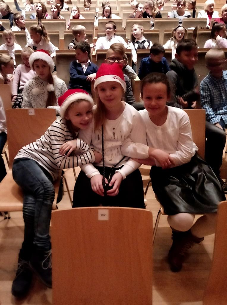 filharmonia-kielce-mikolajki-dziurow20171207_090835.jpg