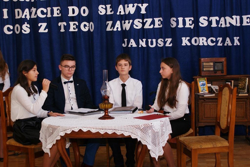 szkola-brody-nadanie-imienia-janusz-korczak-57.JPG