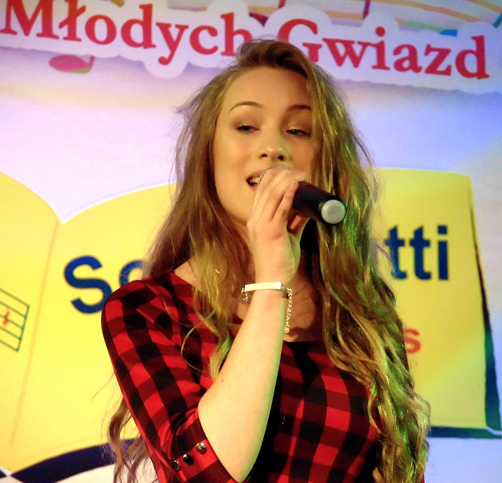 wokalistki-na-podium-konkursu-piosenki-marta-1.jpg