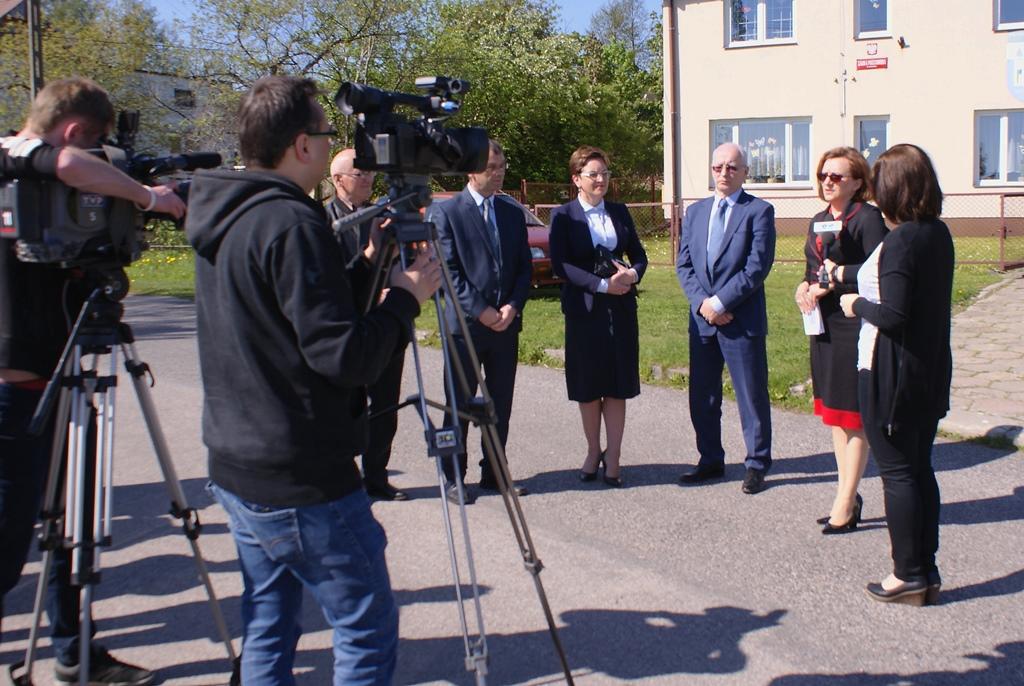 chodnik-rudnik-lubienia-wojewoda-swietokrzyski-strzelczyk-gddkia-wojt-marzena-bernat-04.JPG