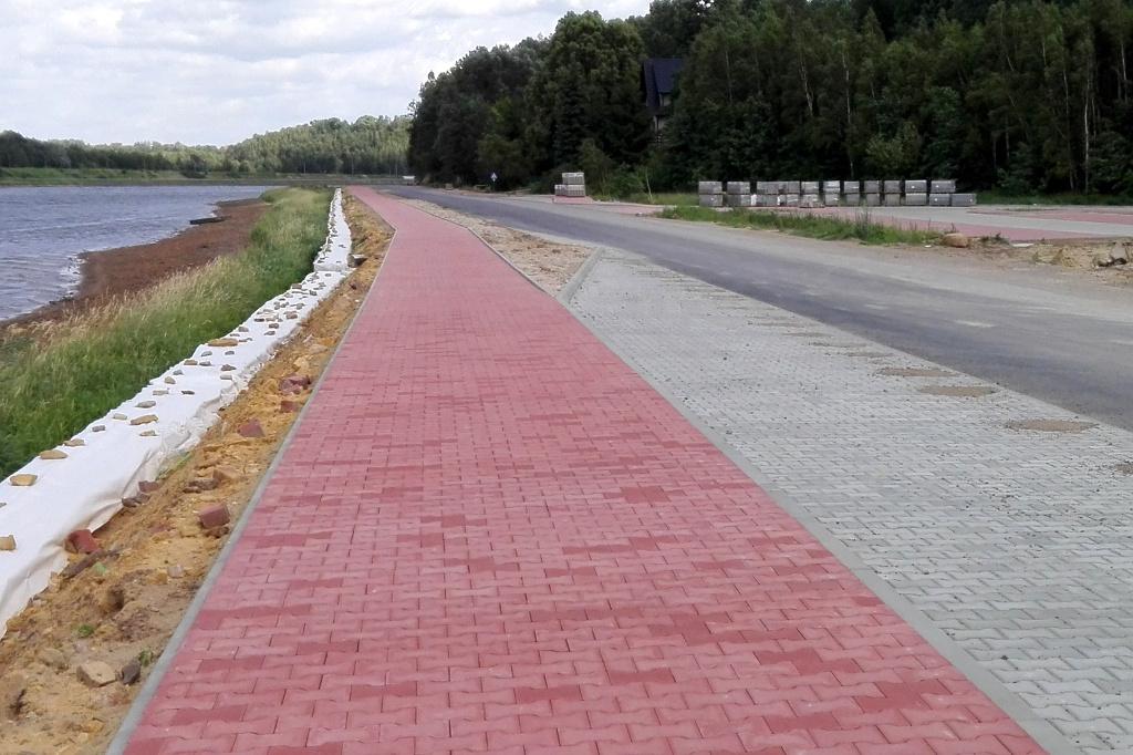 chodnik-droga-nad-zalewem-brody-krynki-2.JPG