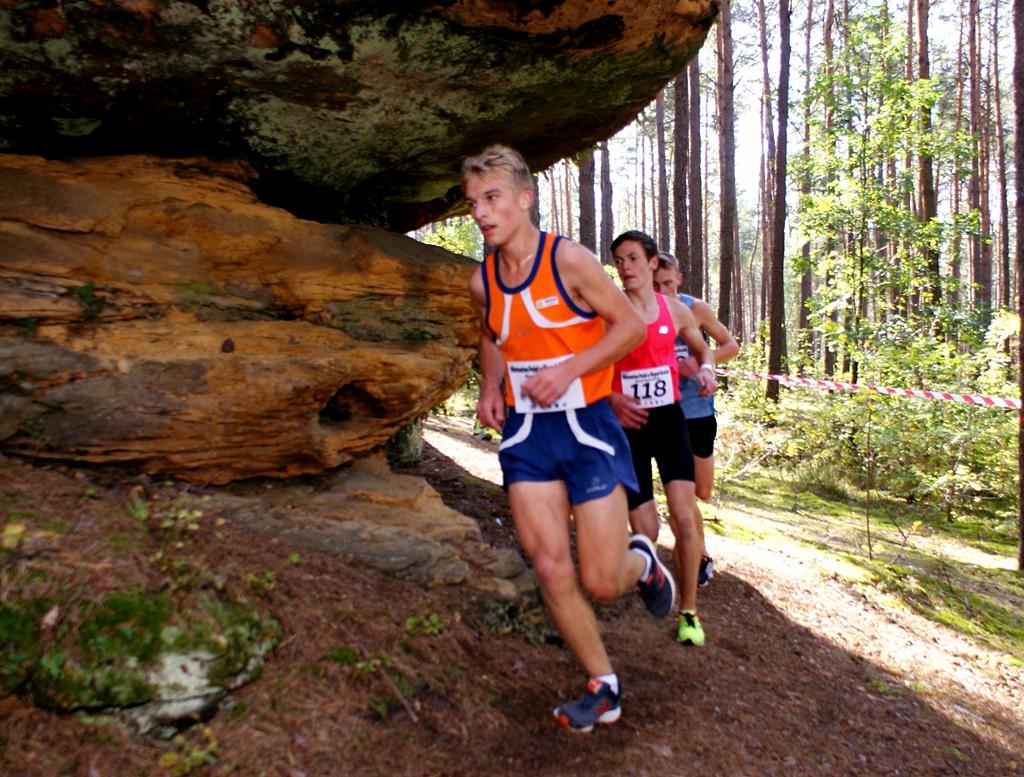 mistrzostwa-biegi-gorskie-skaly-krynki-gmina-brody-lkb-rudnik-52.JPG