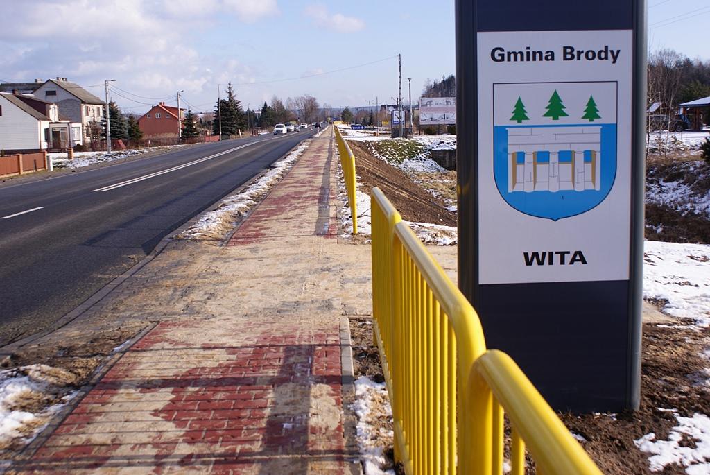 chodnik-kuczow-droga-42-wojewoda-a-wojtyszek-DSC02519.JPG