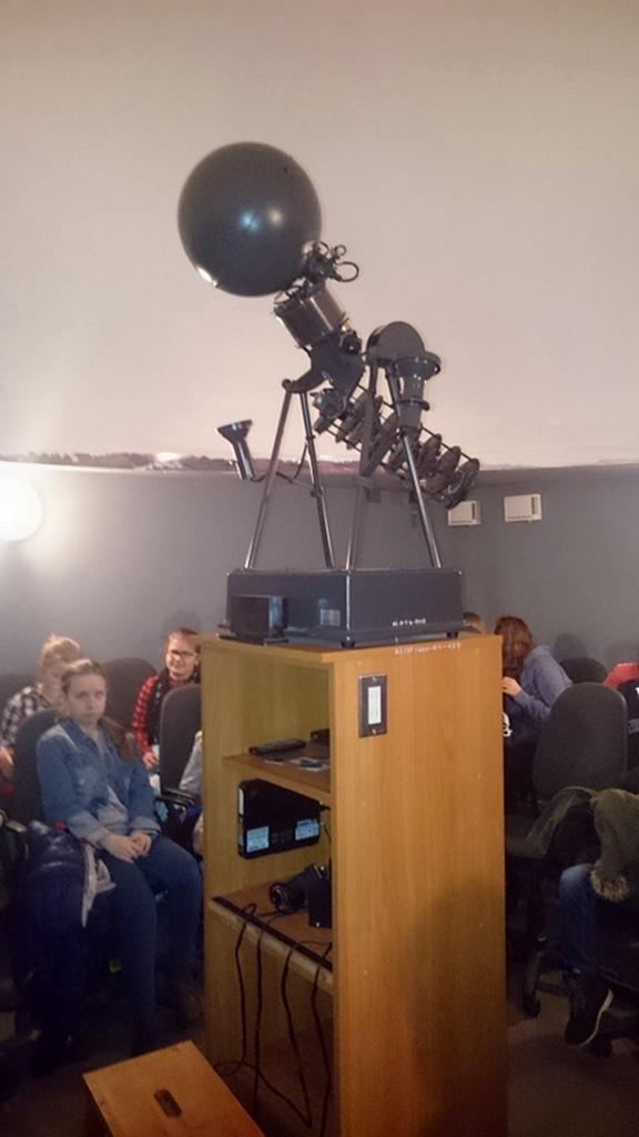 szkola-brody-kielce-obserwatorium-ujk-geoedukacja-01.JPG
