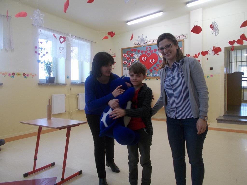 walentynki-szlachetne-serca-dobroczynne-szkola-lubienia-kiermasz-01.JPG