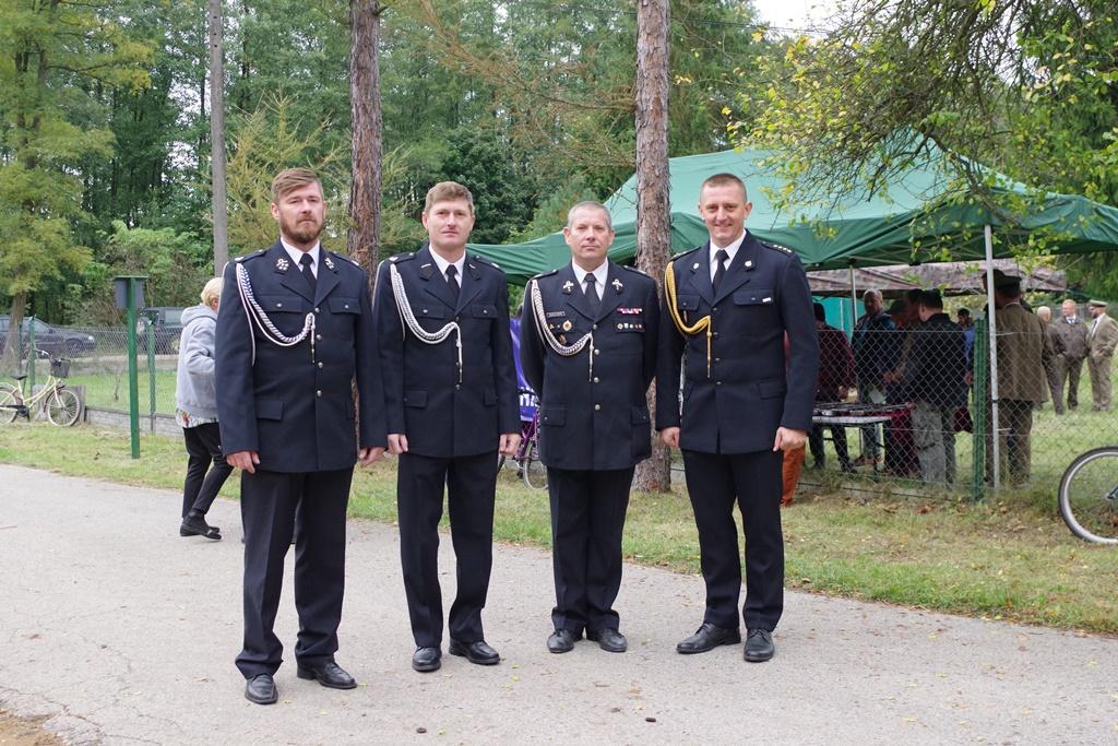 odsloniecie-pomnika-majora-dobrzanskiego-hubala-polagiew-gmina-brody-powiat-starachowickiIMGP8143.JPG