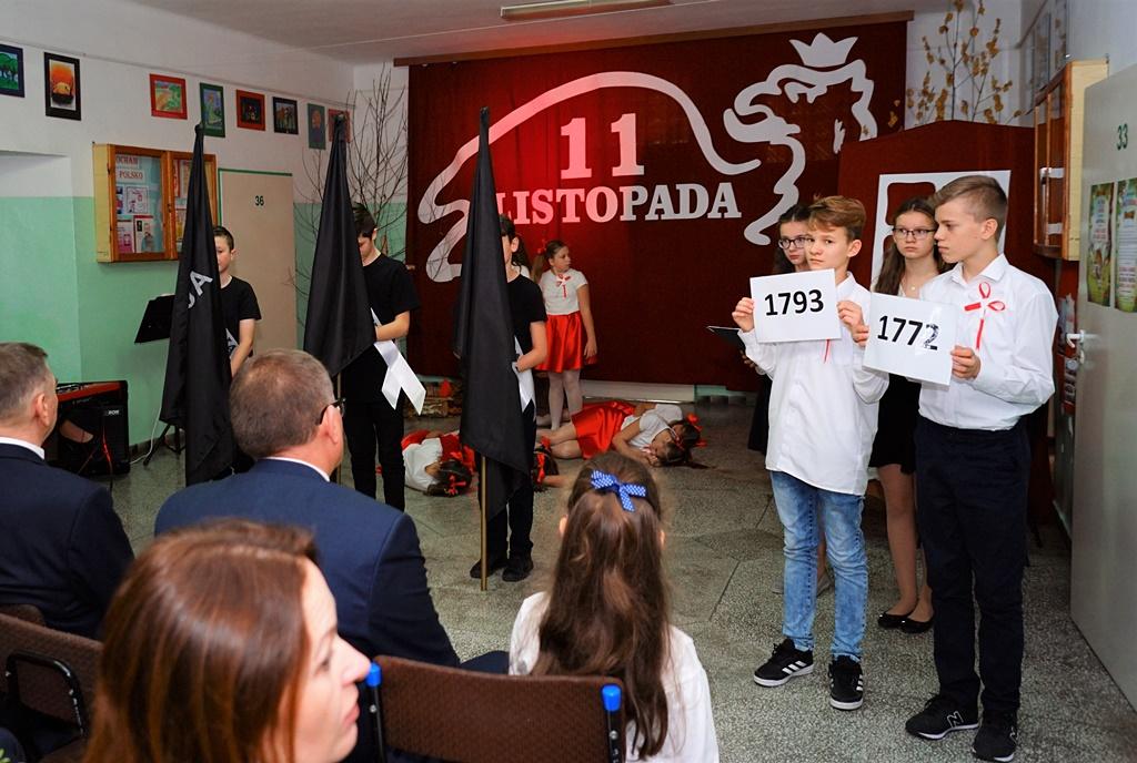 piate-gminne-obchody-narodowego-swieta-niepodleglosci-gmina-brody-powiat-starachowicki20191111-140223.JPG