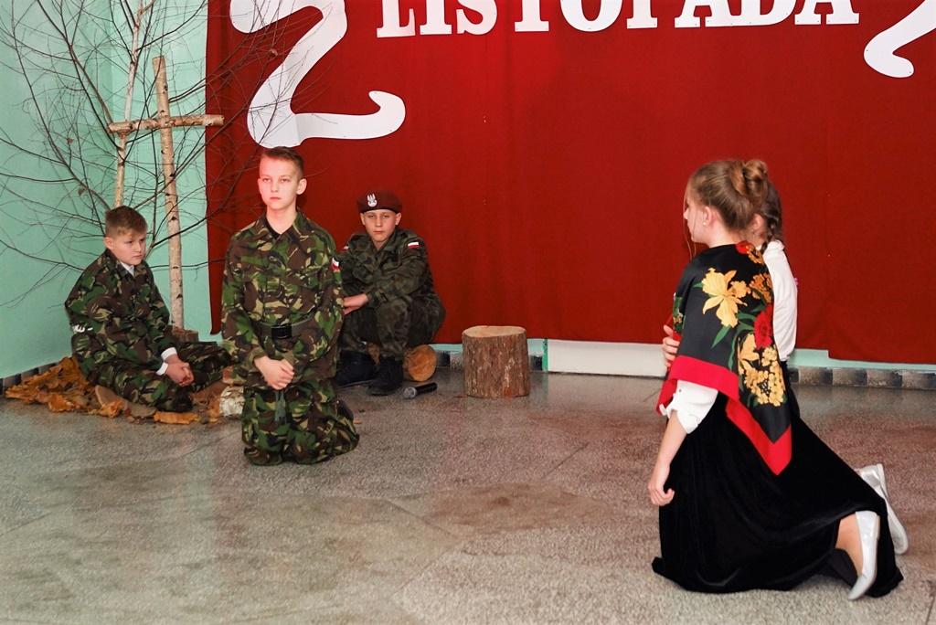 piate-gminne-obchody-narodowego-swieta-niepodleglosci-gmina-brody-powiat-starachowicki20191111-142204.JPG