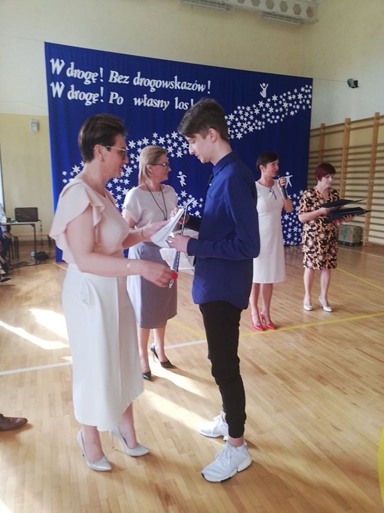 gimnazju-ruda-zakonczenie-201903-20190624-115233.jpg