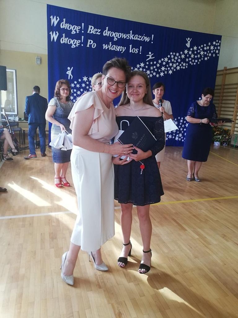 gimnazju-ruda-zakonczenie-2019105-20190624-120552.jpg