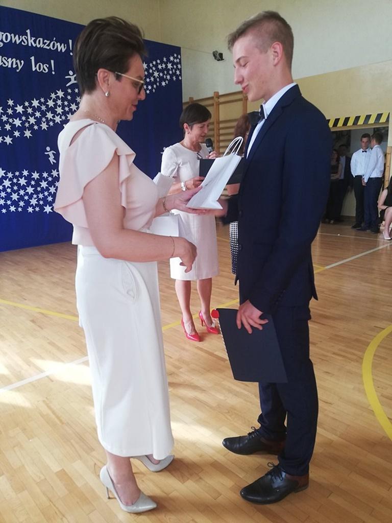 gimnazju-ruda-zakonczenie-2019114-20190624-114914.jpg