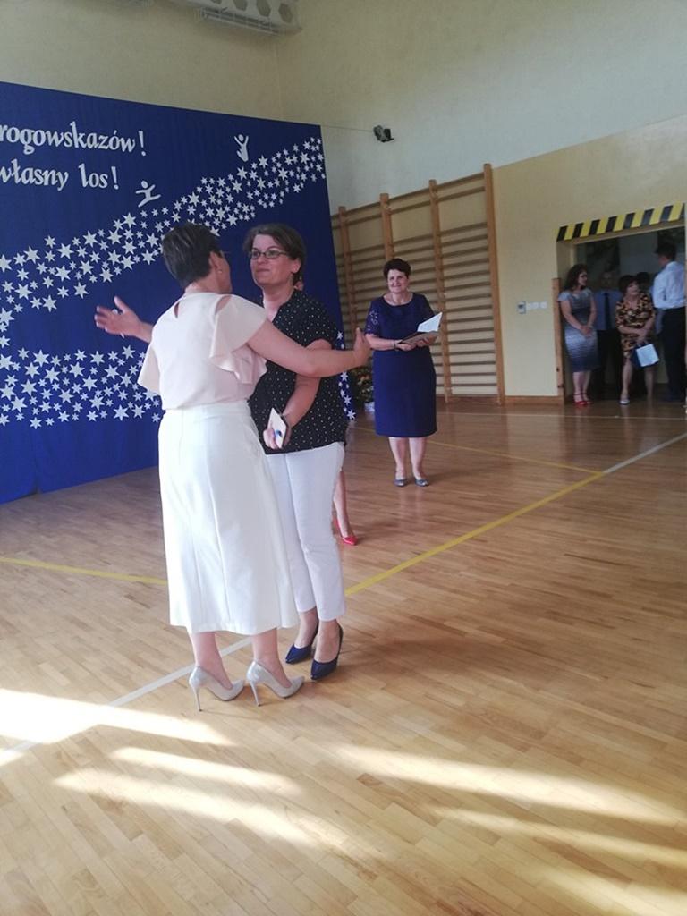 gimnazju-ruda-zakonczenie-2019150-20190624-122928.jpg