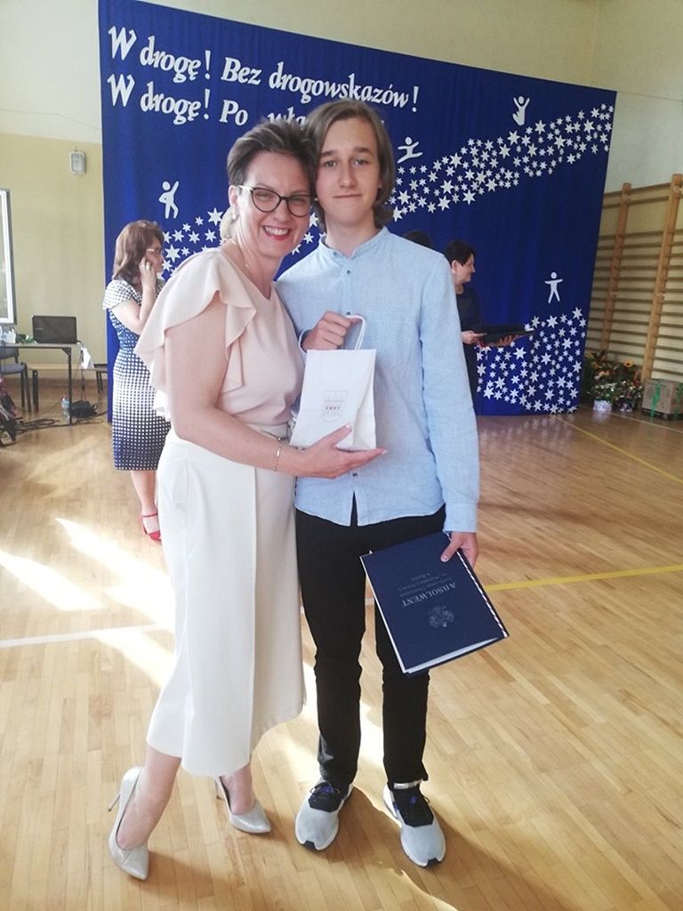 gimnazju-ruda-zakonczenie-201945-20190624-120609.jpg