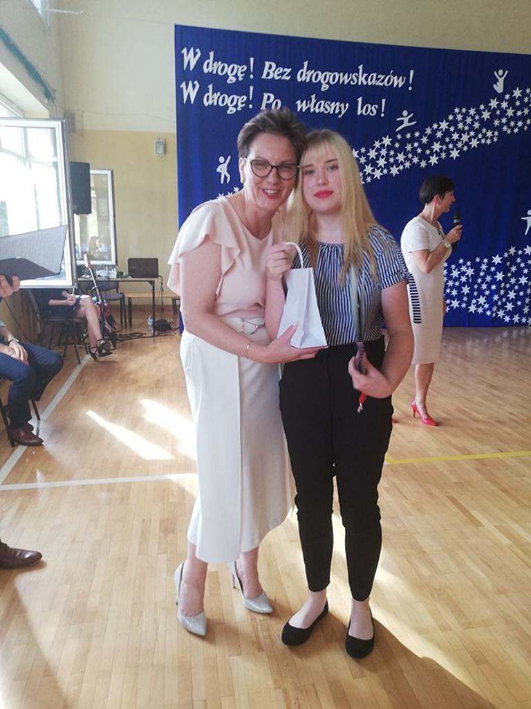 gimnazju-ruda-zakonczenie-201984-20190624-120417.jpg