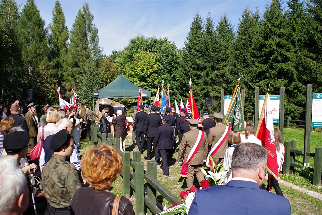 uroczystosc-patriotyczna-kutery-wrzesien-2019-gmina-brody-powiat-starachowickiIMGP5699.JPG