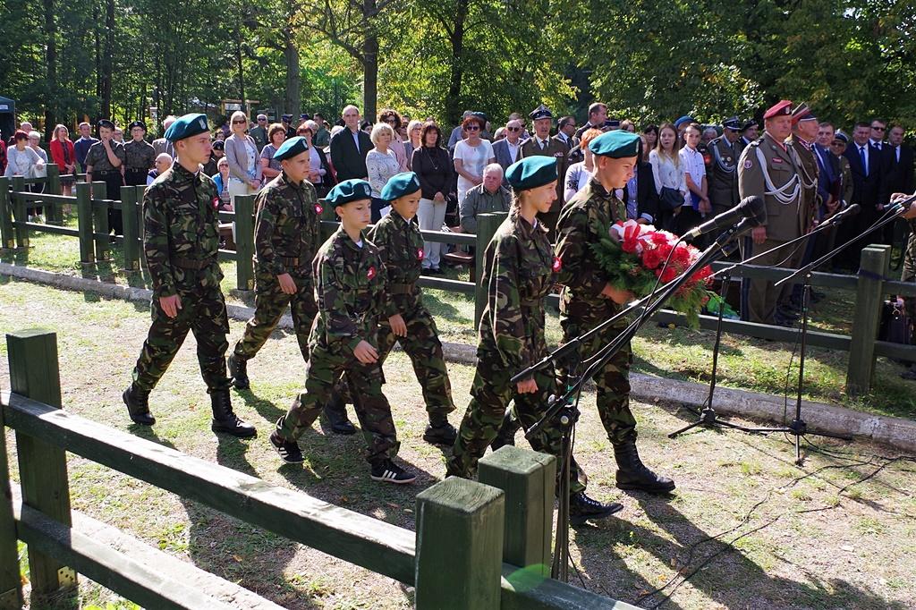 uroczystosc-patriotyczna-kutery-wrzesien-2019-gmina-brody-powiat-starachowickiIMGP5788.JPG