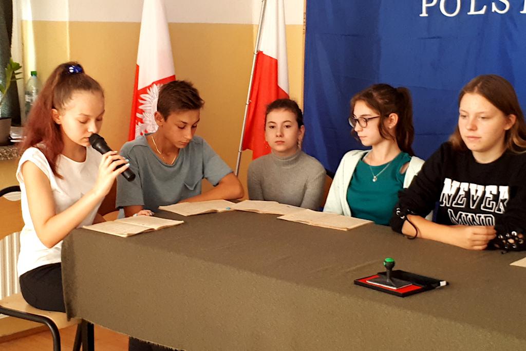 narodowe-czytanie-szkola-lubienia-3.jpg