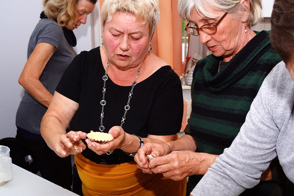 senior-plus-klub-stykow-zumba-kulinaria-kwiaty-z-bibuly-DSC05112.JPG