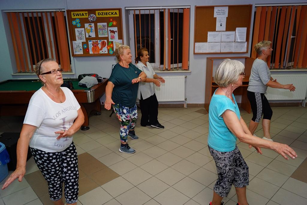senior-plus-klub-stykow-zumba-kulinaria-kwiaty-z-bibuly-DSC05173.JPG