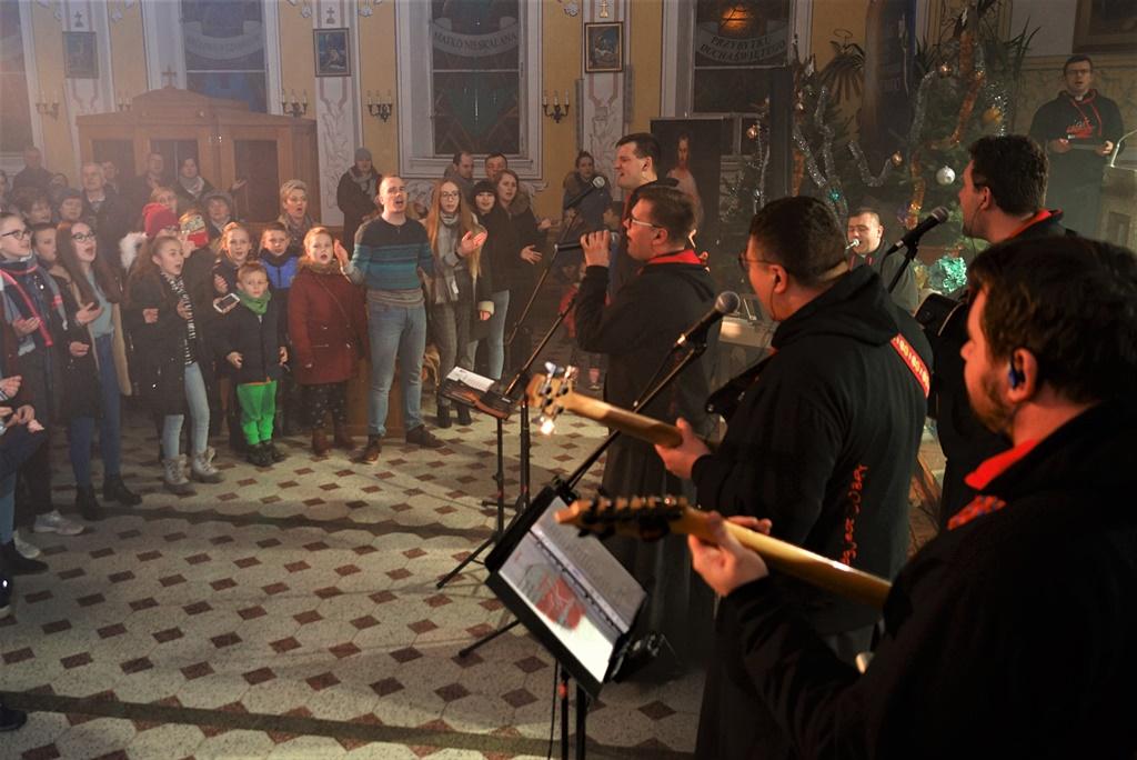 radosna-muzyczna-modlitwa-w-stykowie-koncert-uwielbienia-zespol-jak-najbardziej-gmina-brody-powiat-starachowicki20200118-185709.JPG