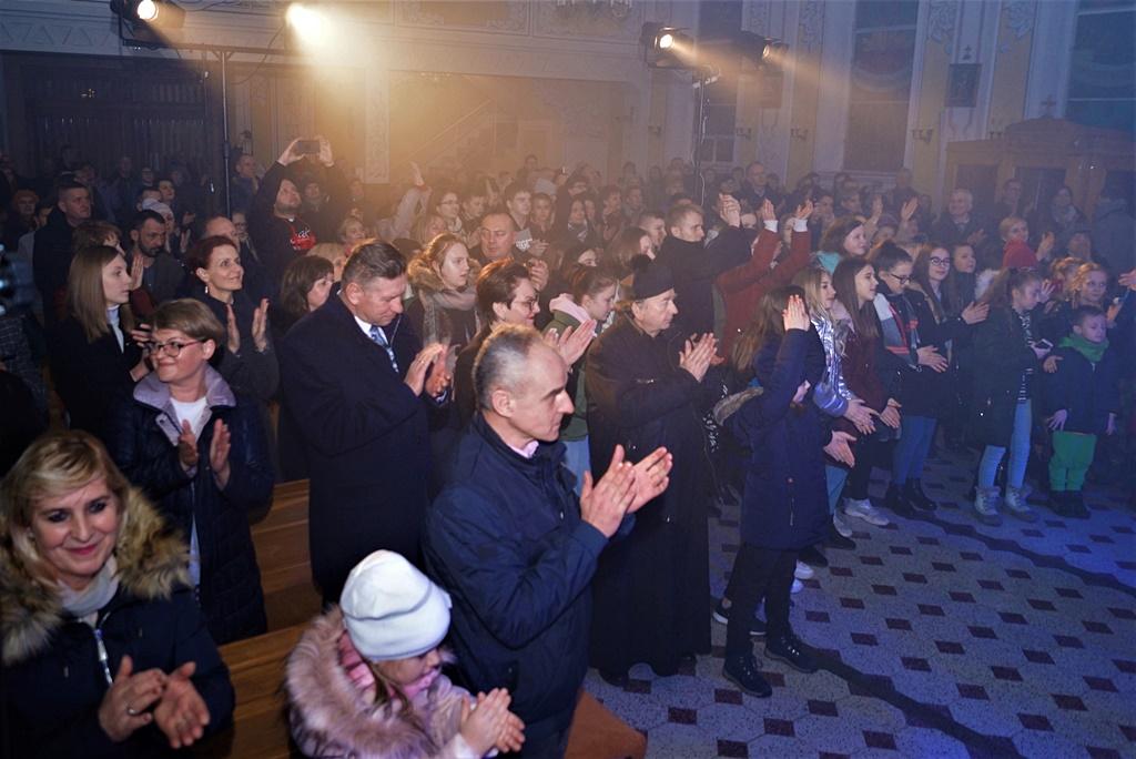 radosna-muzyczna-modlitwa-w-stykowie-koncert-uwielbienia-zespol-jak-najbardziej-gmina-brody-powiat-starachowicki20200118-190331.JPG
