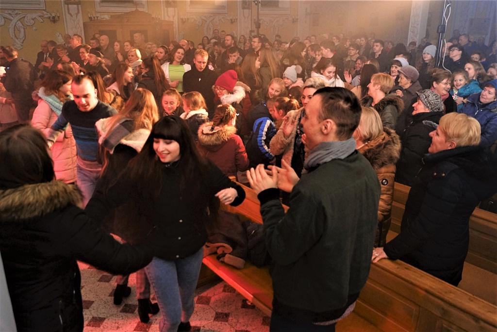 radosna-muzyczna-modlitwa-w-stykowie-koncert-uwielbienia-zespol-jak-najbardziej-gmina-brody-powiat-starachowicki20200118-193452.JPG