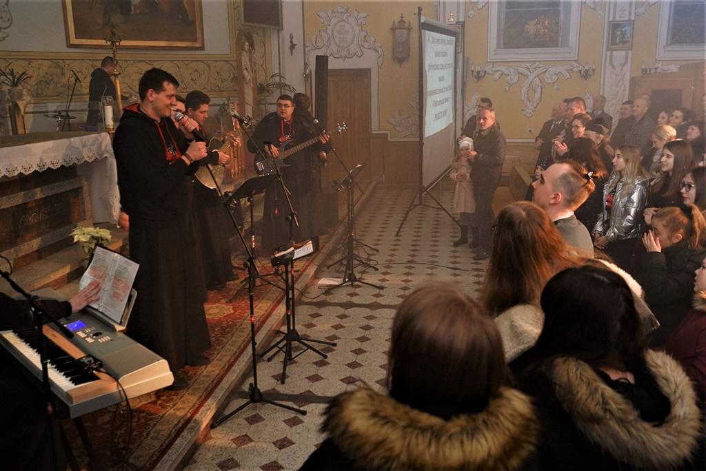 radosna-muzyczna-modlitwa-w-stykowie-koncert-uwielbienia-zespol-jak-najbardziej-gmina-brody-powiat-starachowicki20200118-193538.JPG