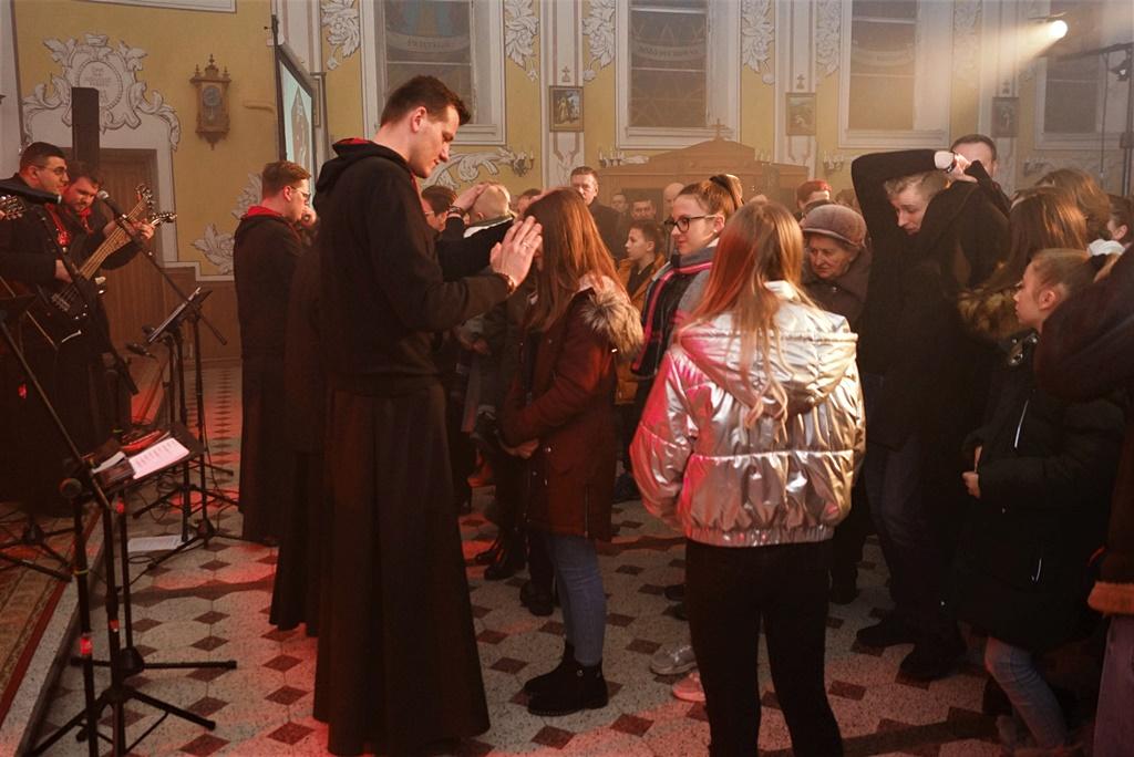 radosna-muzyczna-modlitwa-w-stykowie-koncert-uwielbienia-zespol-jak-najbardziej-gmina-brody-powiat-starachowicki20200118-194211.JPG