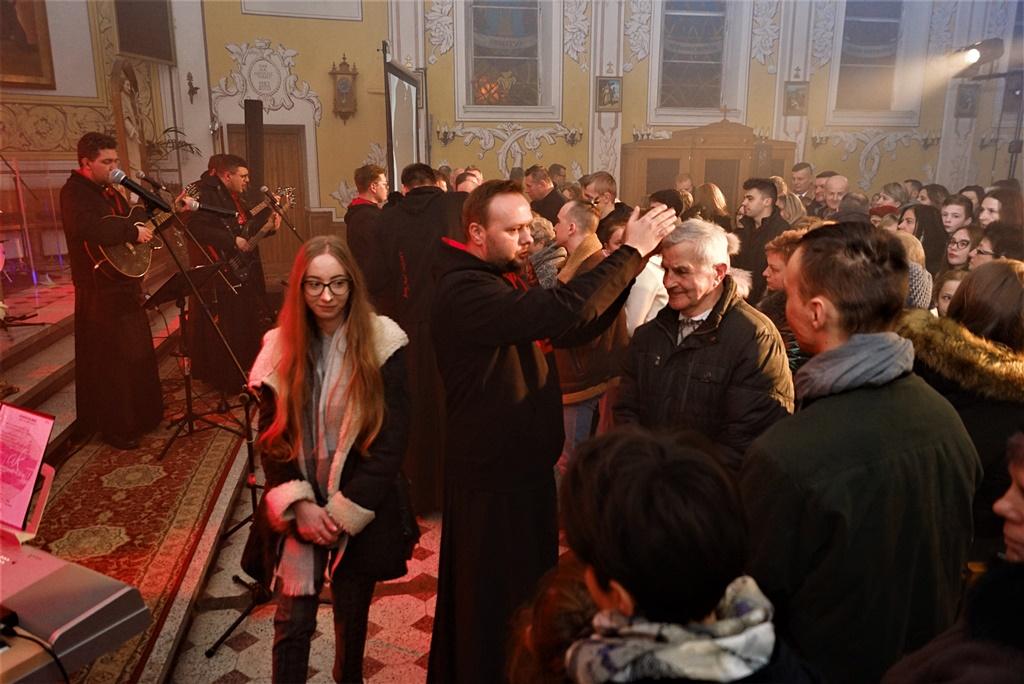 radosna-muzyczna-modlitwa-w-stykowie-koncert-uwielbienia-zespol-jak-najbardziej-gmina-brody-powiat-starachowicki20200118-194311.JPG
