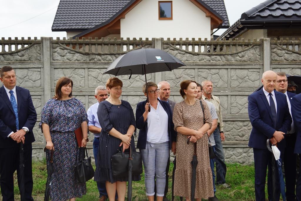 kanalizacja-lubienia-podsumowanie-ogromna-inwestycja-gmina-brody-swietokrzyskie-wojt-marzena-bernat-05.JPG