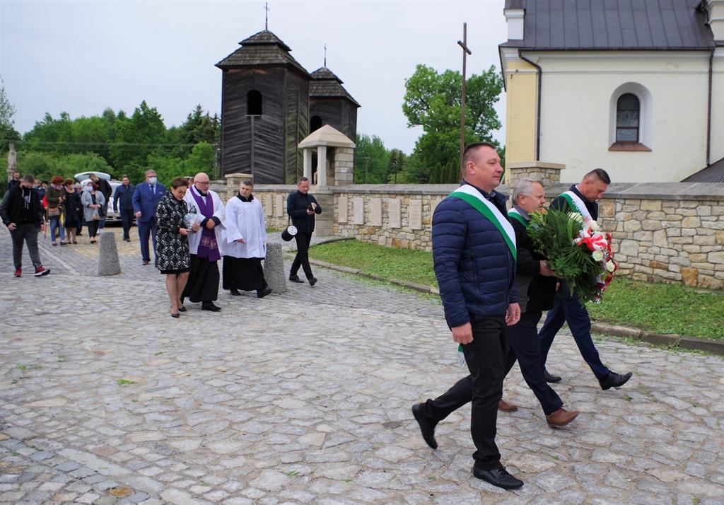 msza-w-intencji--ofiar-pacyfikacji-wsi-zuchowiec-gebice-doly-biskupie-77-rocznica-maj-2020-gmina-brody-powiat-starachowicki07-007.JPG