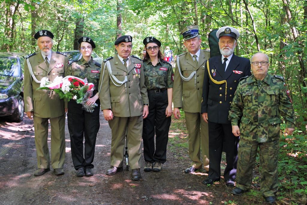 uroczystosc-patriotyczna-pacyfikacja-boru-kunowskiego-4-lipca-1943-uroczystosc-77-rocznica-gmina-brody-powiat-starachowicki2020-07-05-08-42-55.JPG