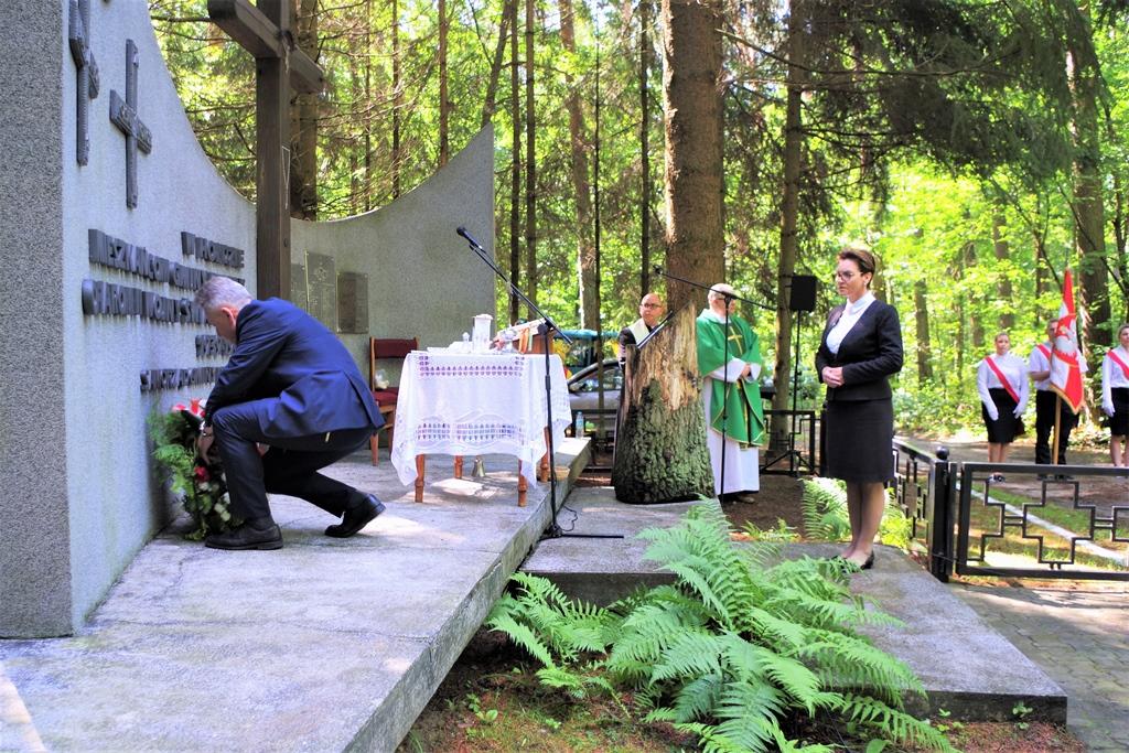 uroczystosc-patriotyczna-pacyfikacja-boru-kunowskiego-4-lipca-1943-uroczystosc-77-rocznica-gmina-brody-powiat-starachowicki2020-07-05-08-58-33.JPG