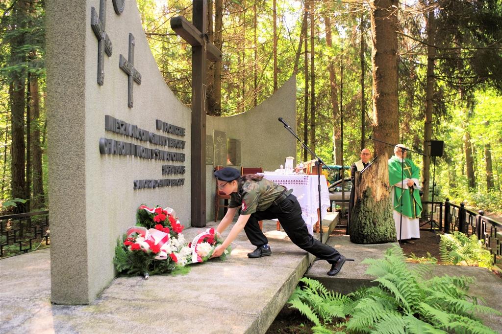 uroczystosc-patriotyczna-pacyfikacja-boru-kunowskiego-4-lipca-1943-uroczystosc-77-rocznica-gmina-brody-powiat-starachowicki2020-07-05-08-59-26.JPG