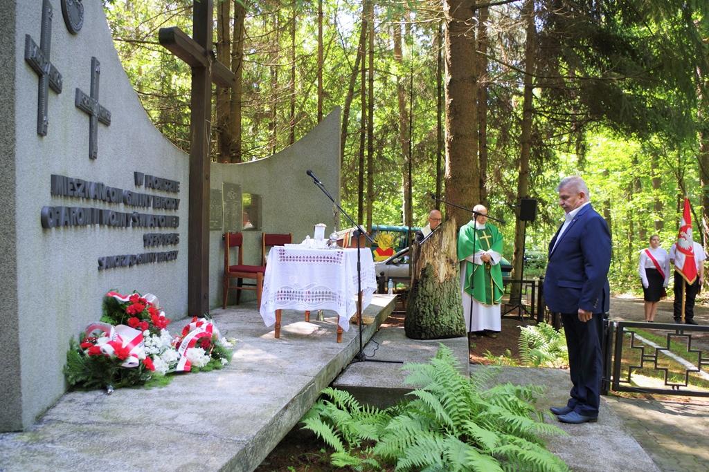 uroczystosc-patriotyczna-pacyfikacja-boru-kunowskiego-4-lipca-1943-uroczystosc-77-rocznica-gmina-brody-powiat-starachowicki2020-07-05-08-59-53.JPG