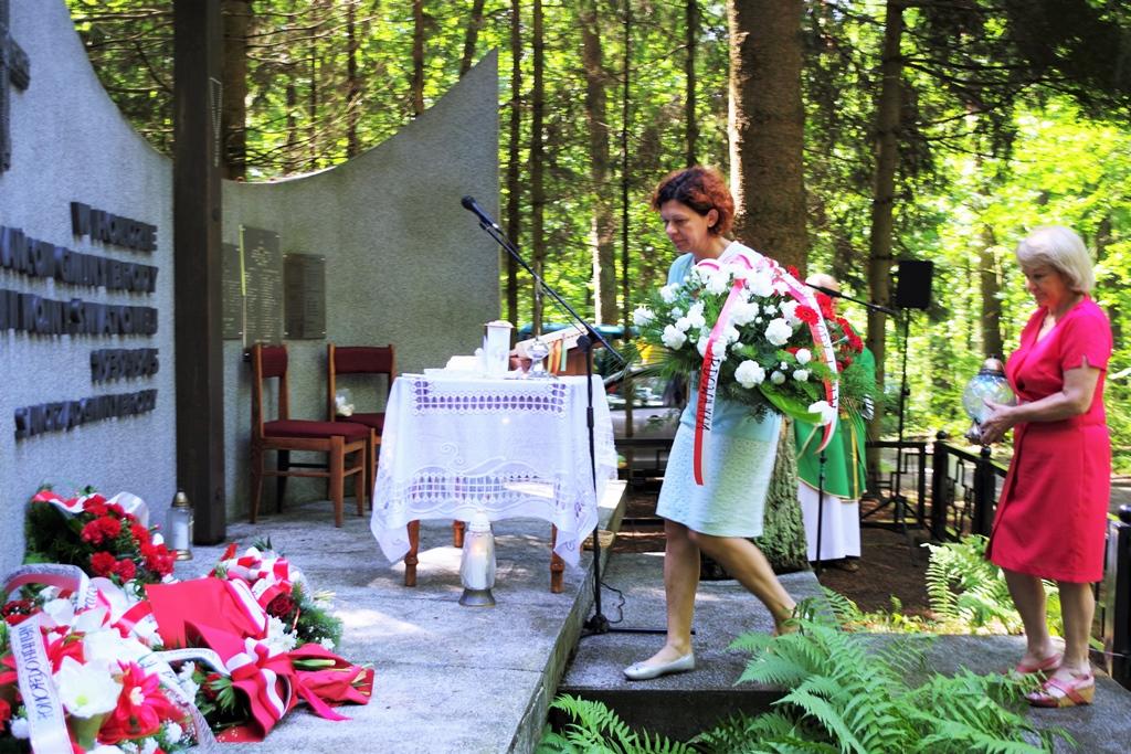 uroczystosc-patriotyczna-pacyfikacja-boru-kunowskiego-4-lipca-1943-uroczystosc-77-rocznica-gmina-brody-powiat-starachowicki2020-07-05-09-01-34.JPG