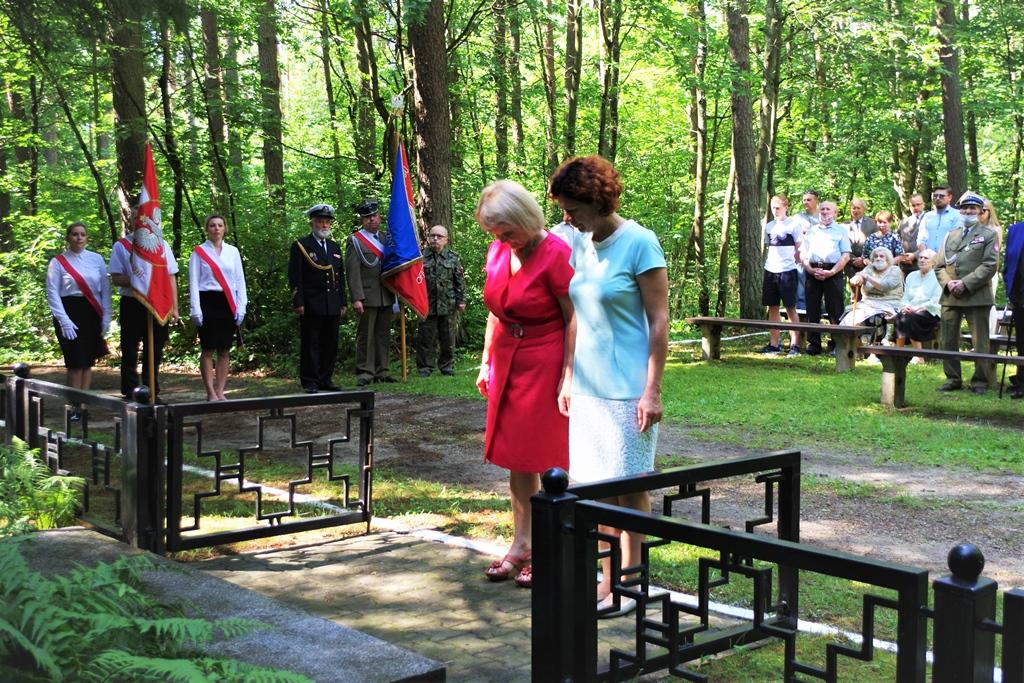 uroczystosc-patriotyczna-pacyfikacja-boru-kunowskiego-4-lipca-1943-uroczystosc-77-rocznica-gmina-brody-powiat-starachowicki2020-07-05-09-01-51.JPG