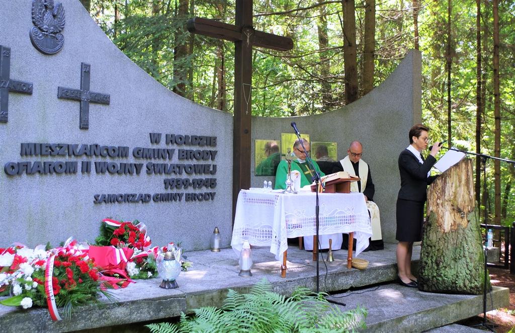 uroczystosc-patriotyczna-pacyfikacja-boru-kunowskiego-4-lipca-1943-uroczystosc-77-rocznica-gmina-brody-powiat-starachowicki2020-07-05-09-02-27.jpg