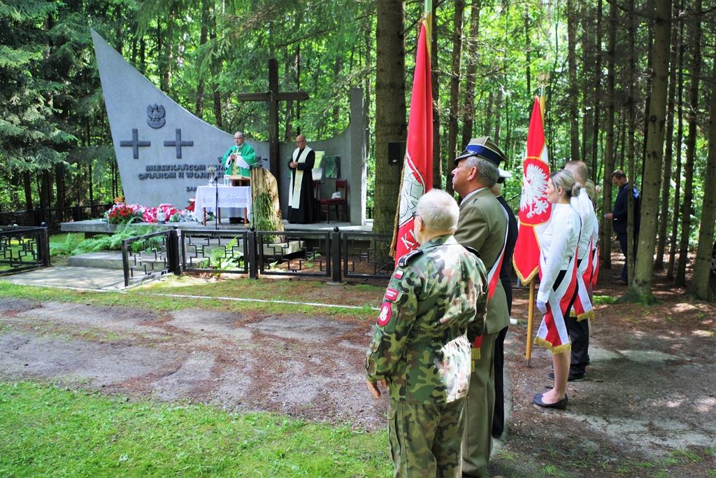 uroczystosc-patriotyczna-pacyfikacja-boru-kunowskiego-4-lipca-1943-uroczystosc-77-rocznica-gmina-brody-powiat-starachowicki2020-07-05-09-09-49.JPG