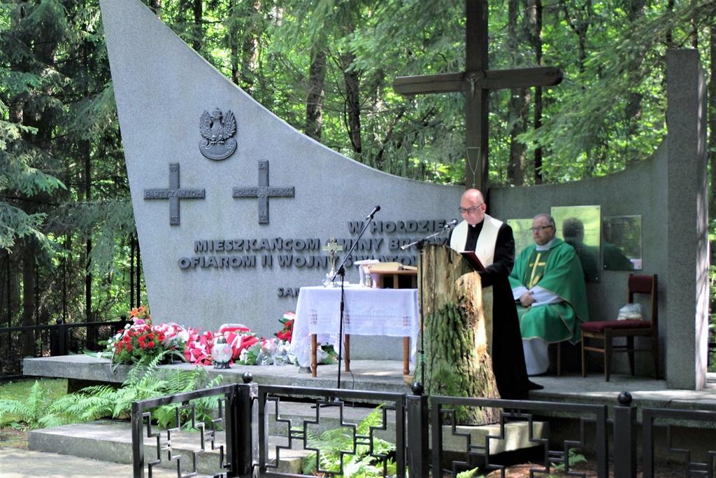 uroczystosc-patriotyczna-pacyfikacja-boru-kunowskiego-4-lipca-1943-uroczystosc-77-rocznica-gmina-brody-powiat-starachowicki2020-07-05-09-11-25.JPG