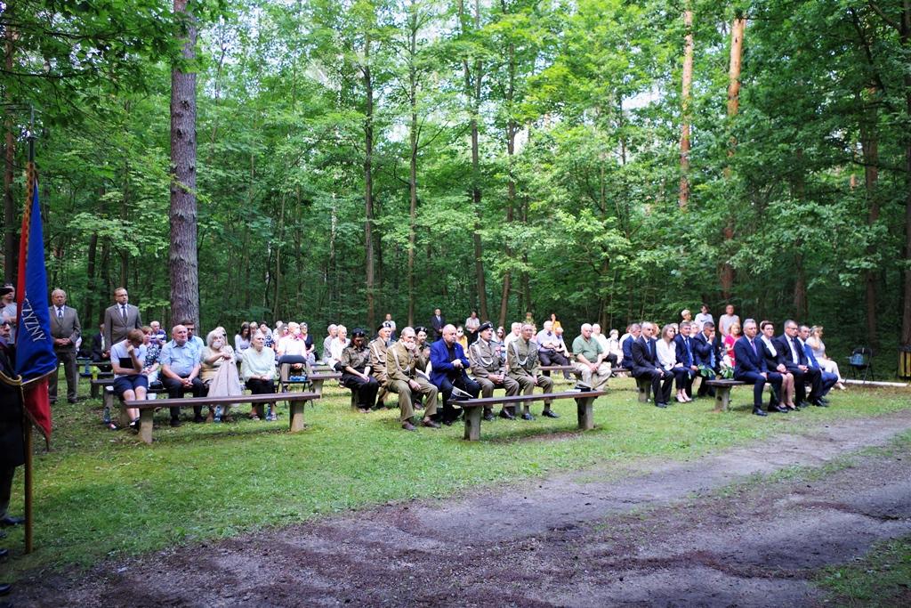 uroczystosc-patriotyczna-pacyfikacja-boru-kunowskiego-4-lipca-1943-uroczystosc-77-rocznica-gmina-brody-powiat-starachowicki2020-07-05-09-24-02.JPG