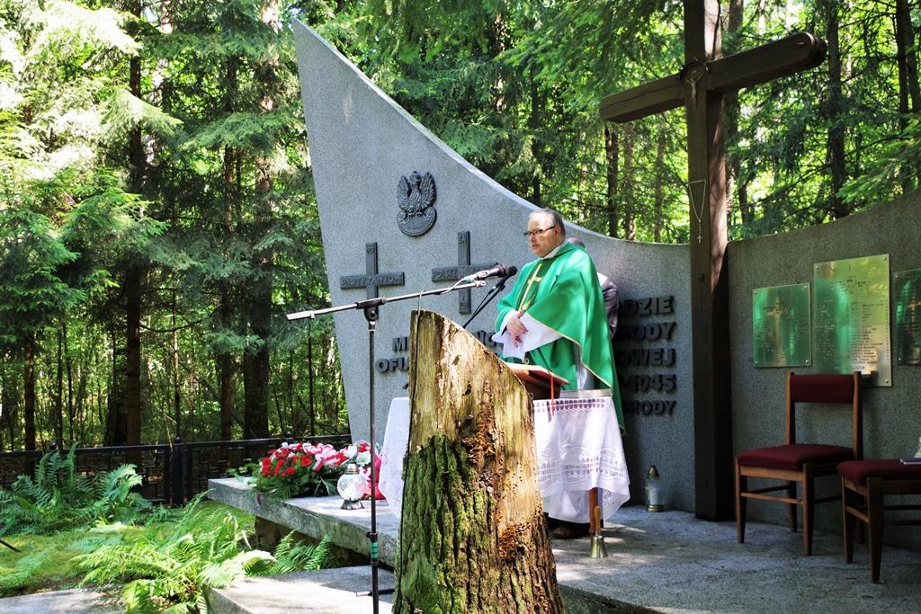 uroczystosc-patriotyczna-pacyfikacja-boru-kunowskiego-4-lipca-1943-uroczystosc-77-rocznica-gmina-brody-powiat-starachowicki2020-07-05-09-43-58.JPG
