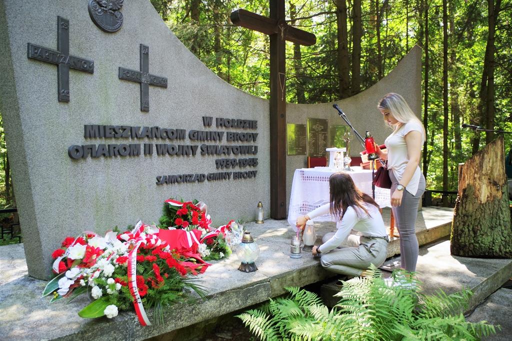 uroczystosc-patriotyczna-pacyfikacja-boru-kunowskiego-4-lipca-1943-uroczystosc-77-rocznica-gmina-brody-powiat-starachowicki2020-07-05-09-54-28.JPG