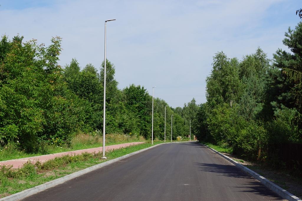 droga-szkolna-apteczna-gmina-brody-krynki-chodnik-oswietlenie-krzewy-znaki-05.JPG
