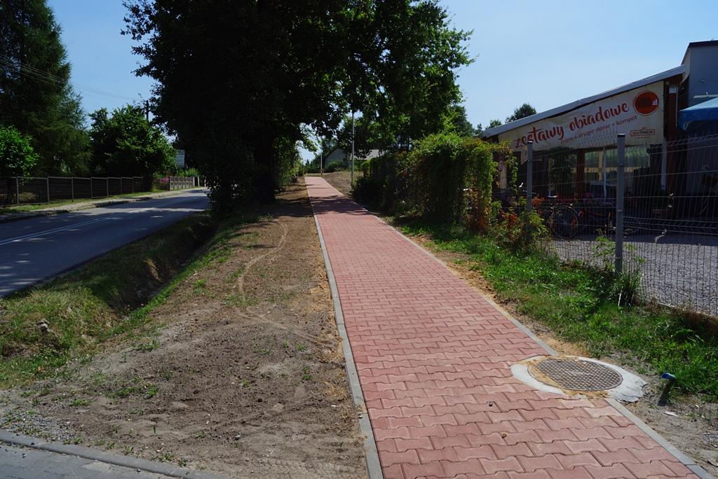 droga-szkolna-apteczna-gmina-brody-krynki-chodnik-oswietlenie-krzewy-znaki-11.JPG