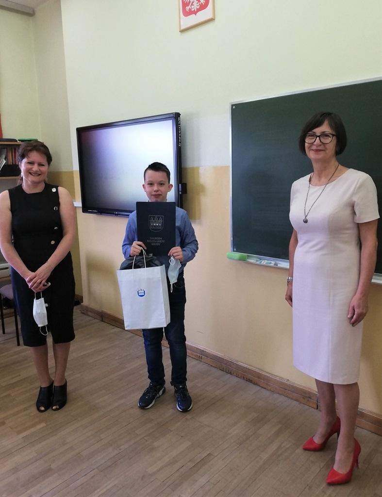 20-zakonczenie-roku-szkolnego-2019-2020-w-szkolach-gminy-brody.jpg